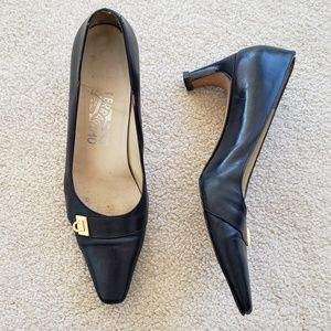 Blue Salvatore Ferragamo Pumps w gold buckle 7